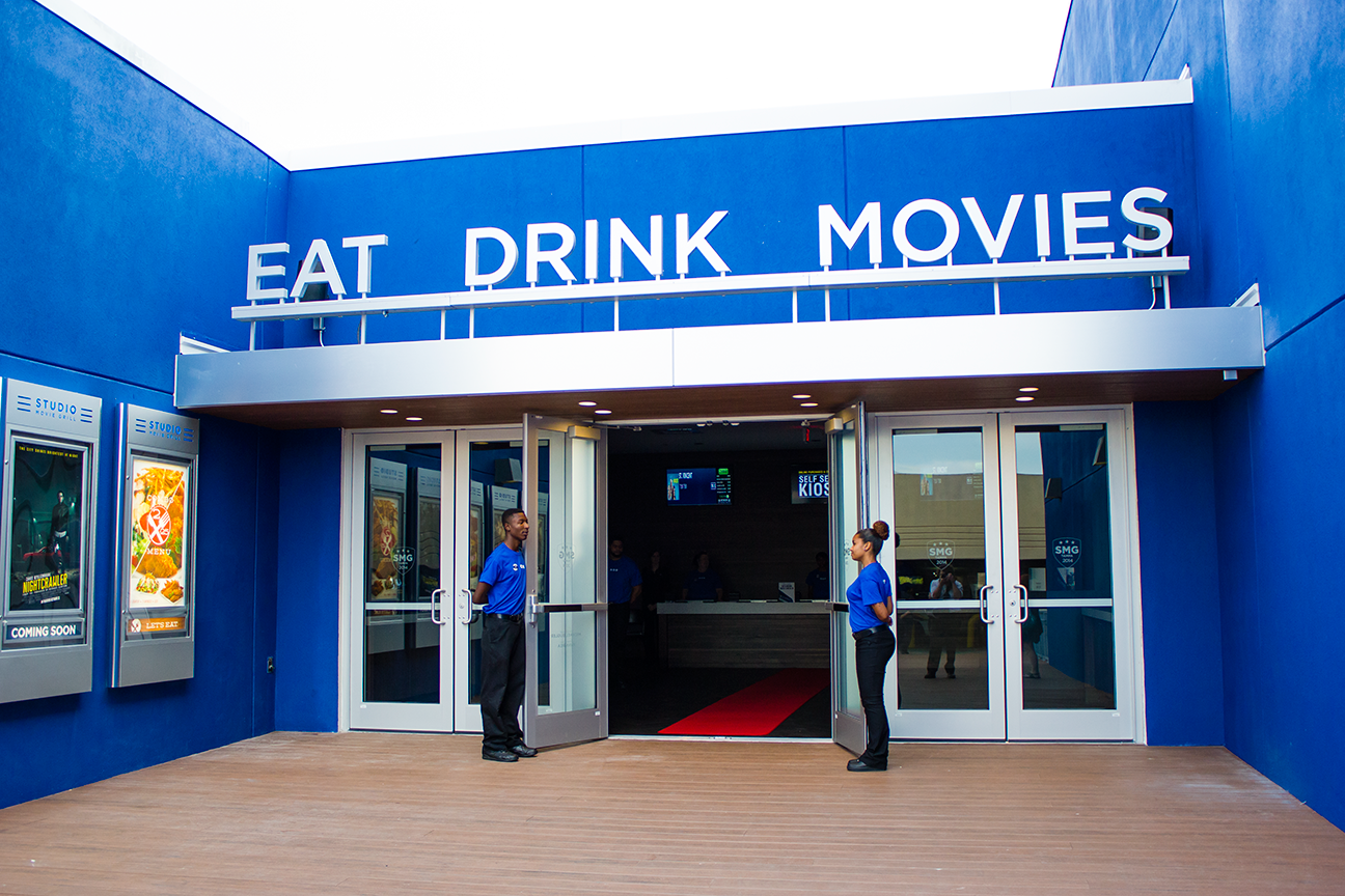 Find listings related to Cinemark Movies 16 Universal Mall in Plano on snobennforines.ga See reviews, photos, directions, phone numbers and more for Cinemark Movies 16 Universal Mall locations in .